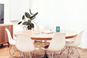 Tisch der adisfaction Online-Agentur